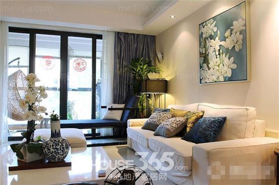 中式家居装饰效果图:简约的线条设计,盛开的百合温馨又自然,墙壁