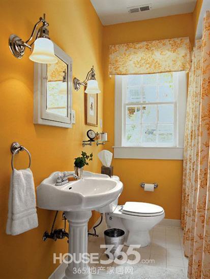 小户型卫生间效果图:彩色的储物柜为卫浴用品提供了收纳空间,其