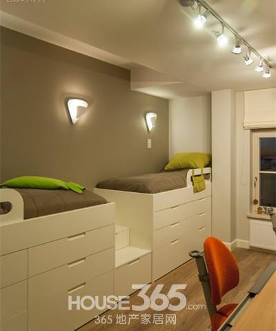 儿童房间装修图片:抬高床的高度,为孩子们提供了大量的收纳