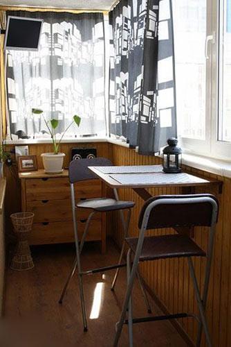 首页 资讯频道 装修课堂 > 8个阳台变身餐厅 享用窗边时光     &emsp
