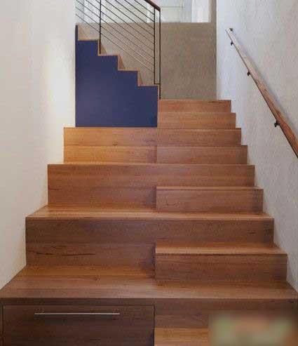 来回楼梯效果图